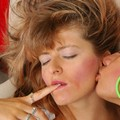 Hot Kissing Ladies